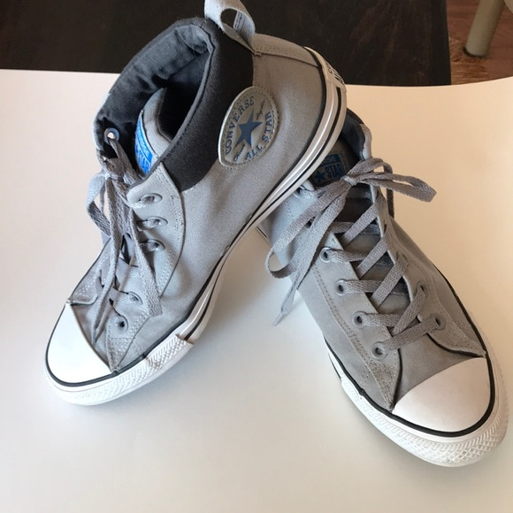 367395dd373 Converse Other - Men s 9 1 2 Converse Chuck Taylor Mid rise shoes
